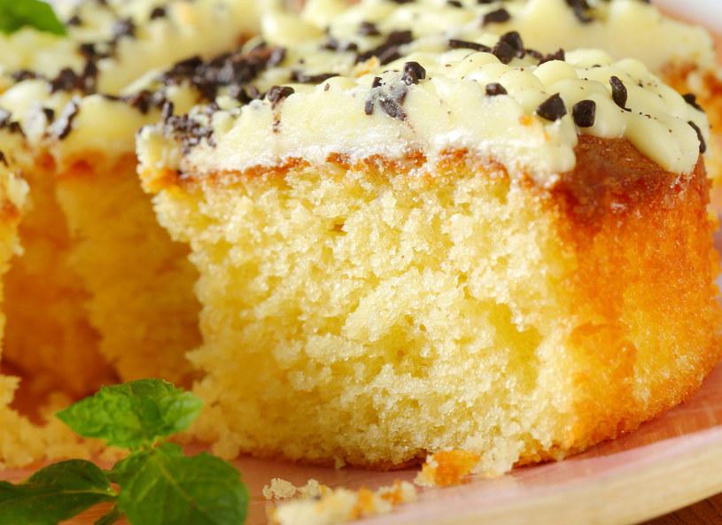Ciasto posyp startą czekoladą /123RF/PICSEL