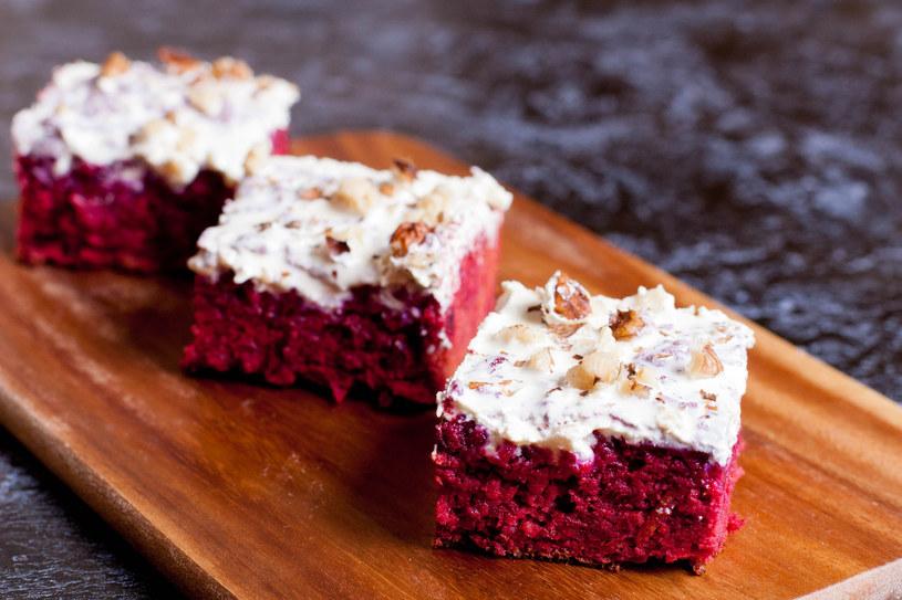 Ciasto z buraków z pewnością posmakuje każdemu! /123RF/PICSEL