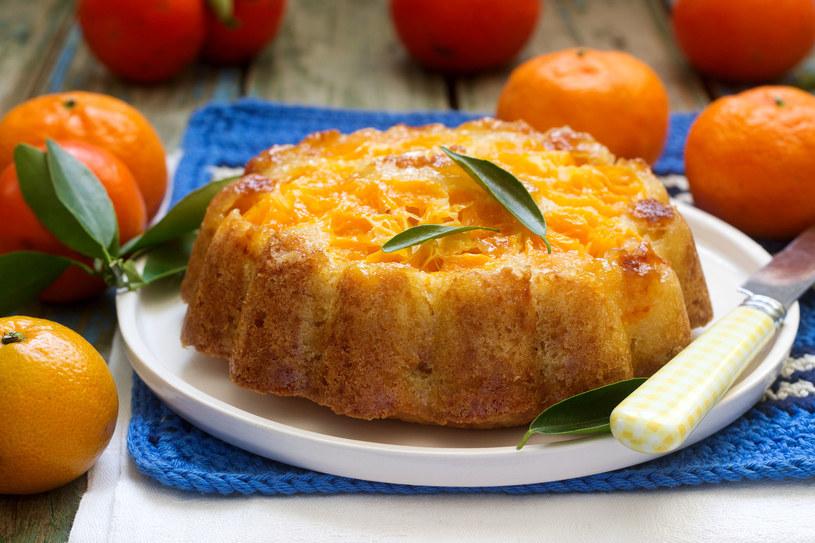 Ciasto z mandarynkami /123RF/PICSEL