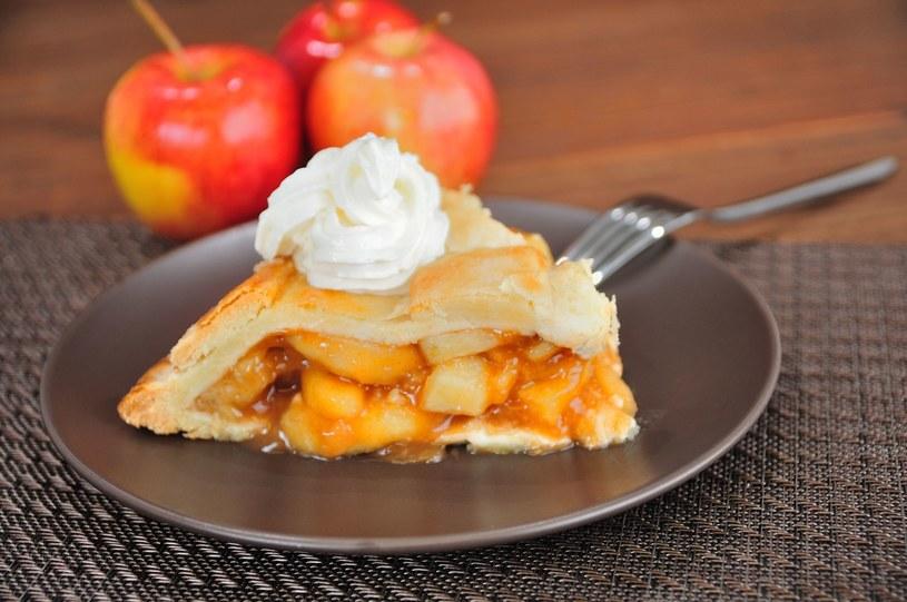 Ciasto z musem jabłkowym /123RF/PICSEL