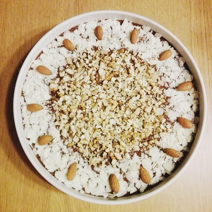 Ciasto z orzechami /materiał zewnętrzny