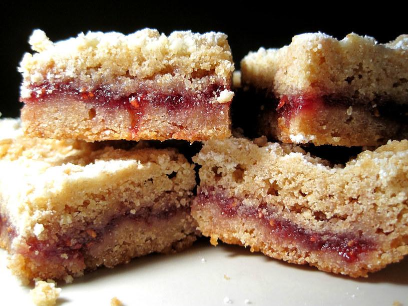 ciasto z płatkami /© Photogenica