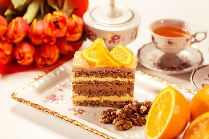 Ciasto z pomarańczami /123RF/PICSEL