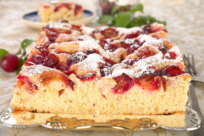 Ciasto ze śliwkami często gości na polskich stołach /123RF/PICSEL