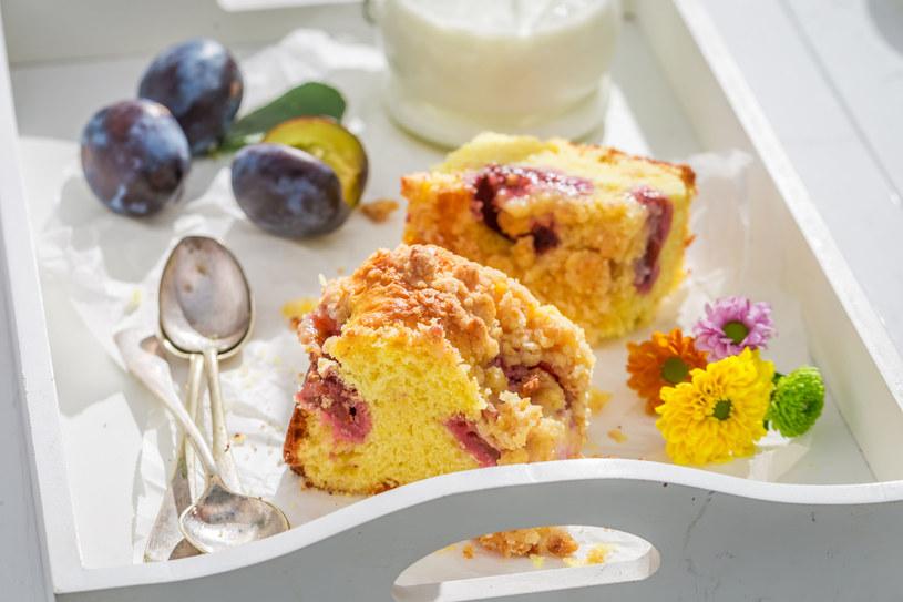 Ciasto ze śliwkami /123RF/PICSEL