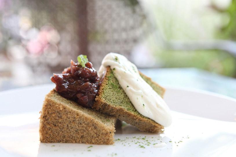 Ciasto ze szpinakiem /123RF/PICSEL