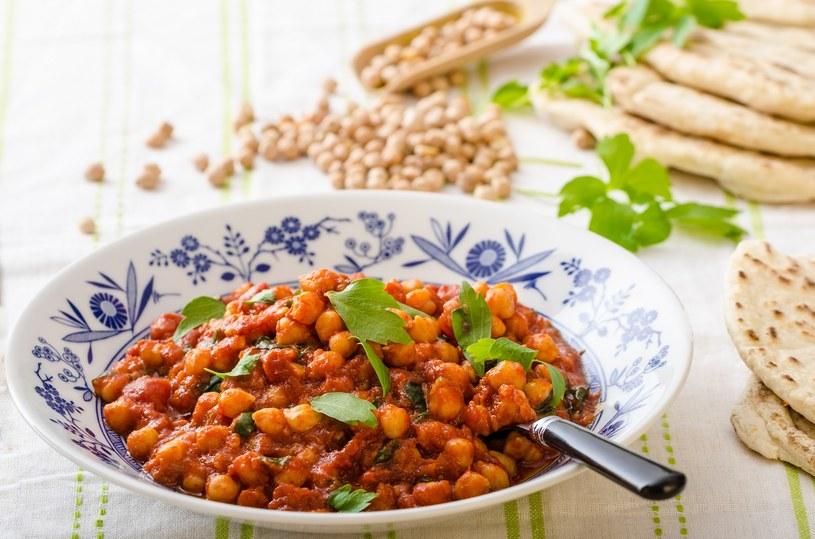 Cieciorka i sos pomidorowy idealnie się komponują /materiały prasowe