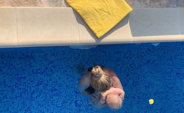 Ciekawa Mama: Gumowe kaczuszki do kąpieli. Czy są źródłem zarazków? [FILM]