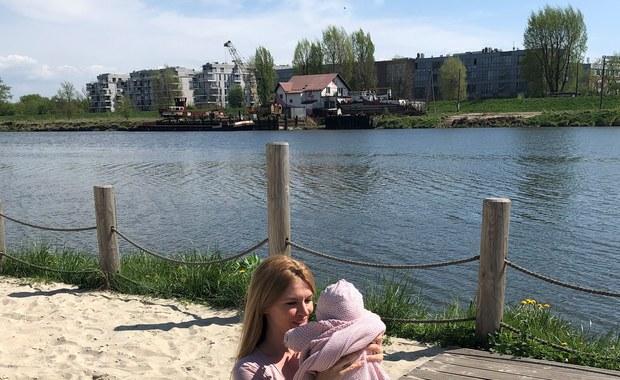 Ciekawa Mama: Jak chronić maluchy przed słońcem