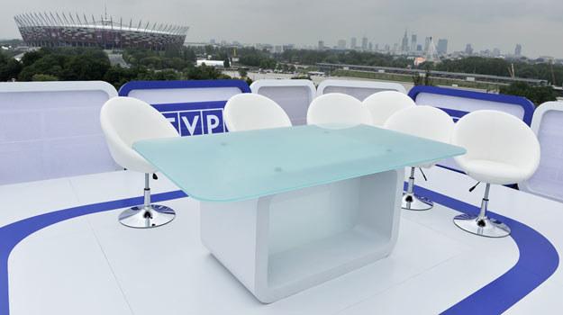 """Ciekawe, co """"Fakt"""" sądzi o plenerowym studio TVP podczas Euro 2012? /AKPA"""