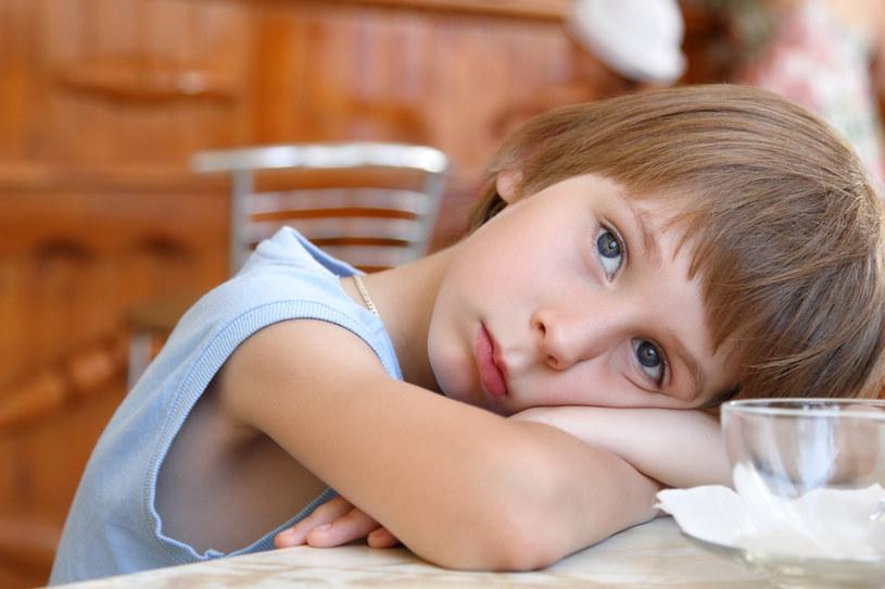 Ciekawe, czy chłopcu podoba się pomysł jego mamy? (Zdj. ilustracyjne) /123RF/PICSEL