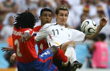 Ciekawe jak Miroslav Klose zareagował na żarty o Polakach /AFP