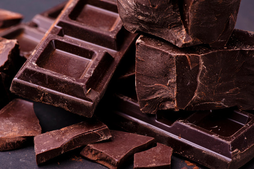 Ciemna czekolada na niedobory magnezu /123RF/PICSEL