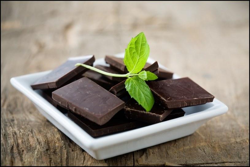 ciemna czekolada na skórę /© Photogenica
