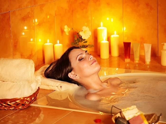 ciepła kąpiel /© Photogenica