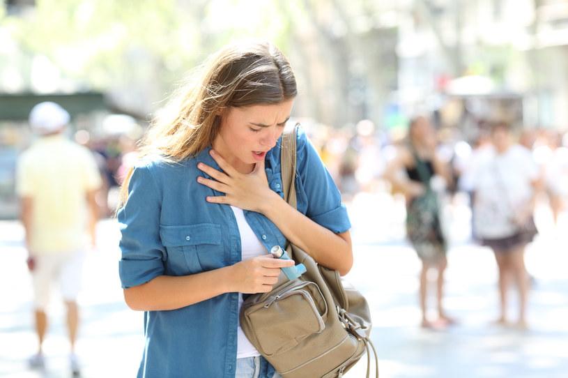 Cierpisz na astmę lub jesteś alergikiem? W czasie burz i krótko po nich nie wychodź na zewnątrz /123RF/PICSEL