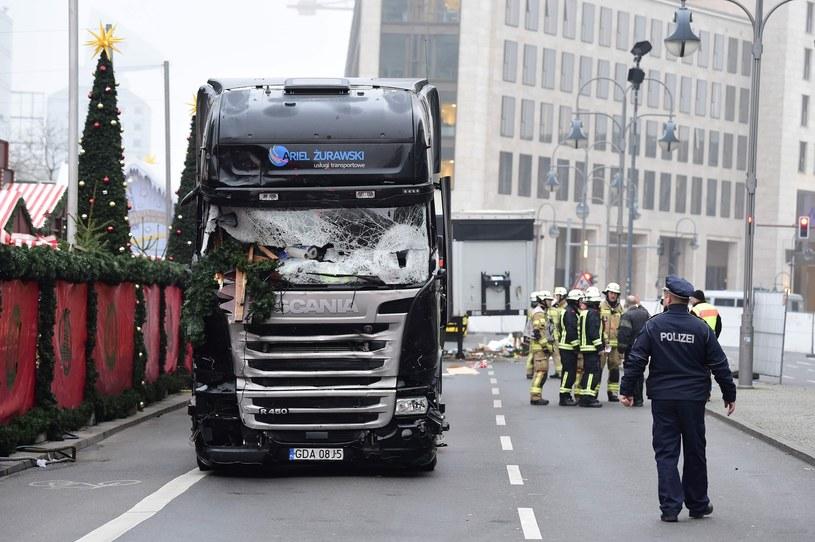 Ciężarówka, która posłużyła do przeprowadzenia zamachu /TOBIAS SCHWARZ /East News