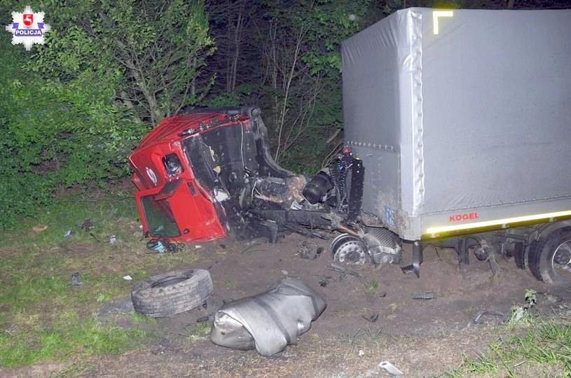 Ciężarówka również została kompletnie zniszczona /