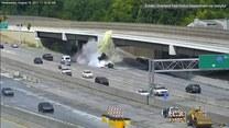 Ciężarówka skasowała barierkę i stanęła w płomieniach