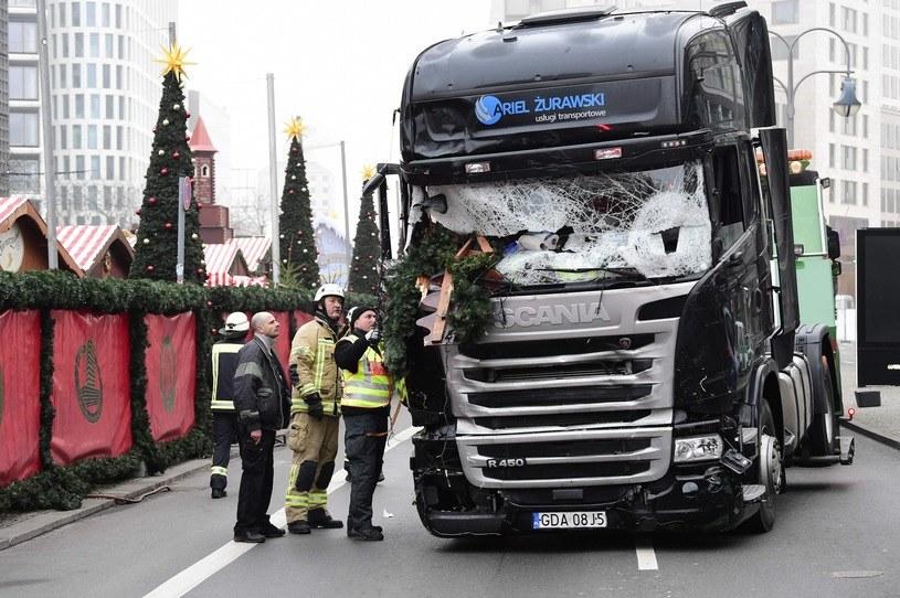 Ciężarówka wykorzystana przez terrorystę do zamachu /TOBIAS SCHWARZ /East News
