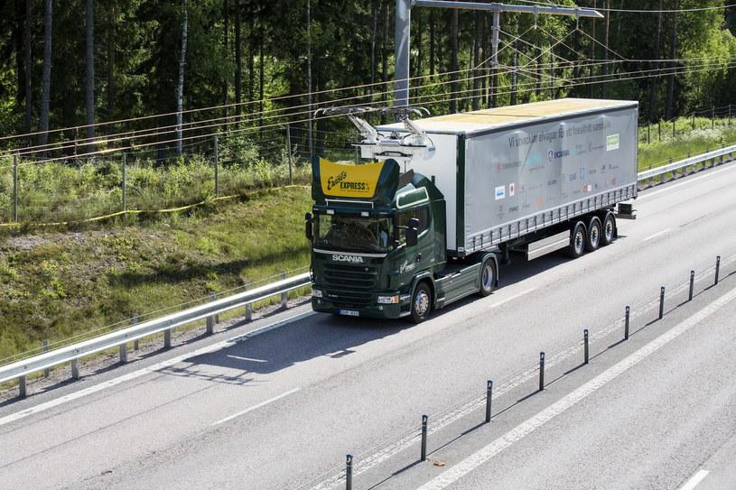 Ciężarówka z pantografem /