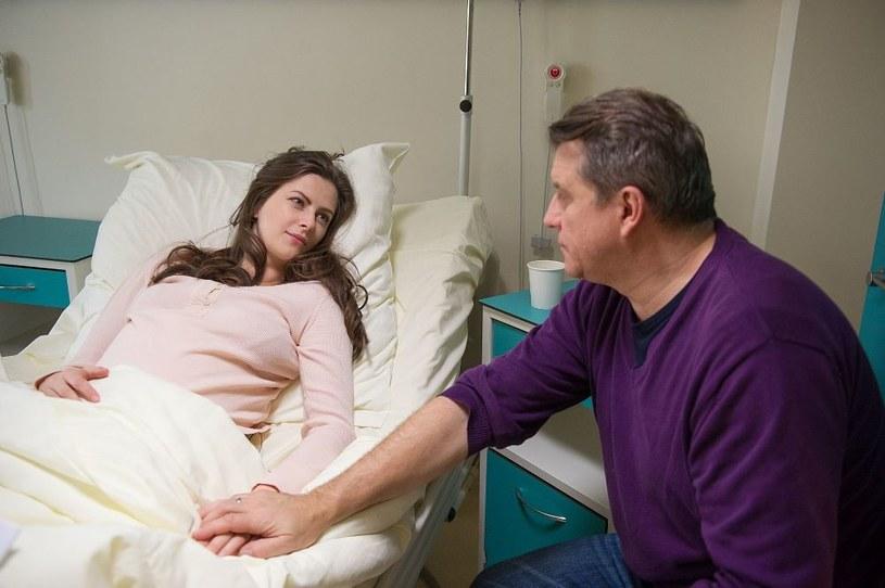 Ciężko przerażona Natalia trafi do szpitala. Okaże się, że będzie miała cesarskie cięcie /TVN