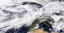 Ciśnienie 920 hPa nad Atlantykiem. To jedno najniższych w historii pomiarów