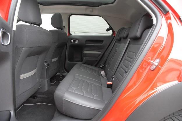 Citroen C4 Cactus (2014-) fotele samochodowe /Motor