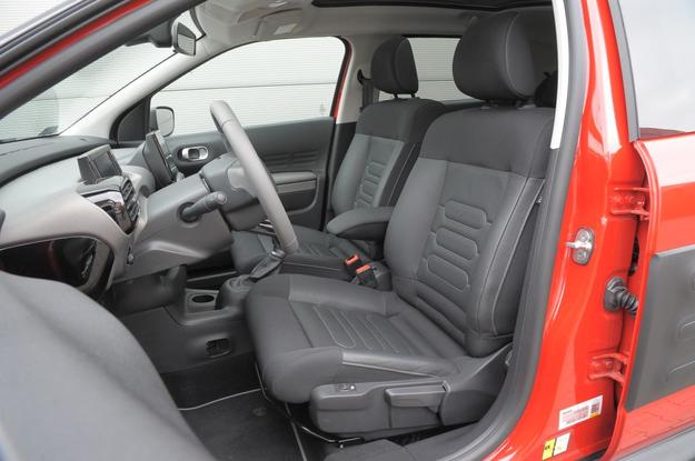 Citroen C4 Cactus (2014-)  fotele /Motor