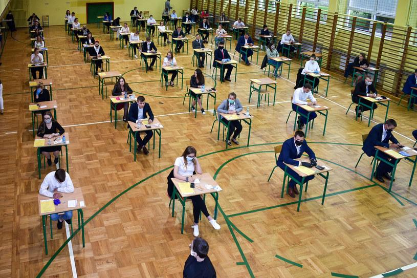 CKE opublikowała pokazowe arkusze egzaminu ósmoklasisty / Slawomir Olzacki /Agencja FORUM