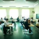 CKE podaje średnie wyniki egzaminu gimnazjalnego - 69 proc. z polskiego i 47 proc. z matematyki