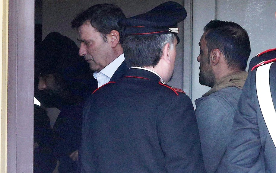 Claudio Giardiello to mężczyzna po lewej stronie, w białej koszuli /MATTEO BAZZI    /PAP/EPA