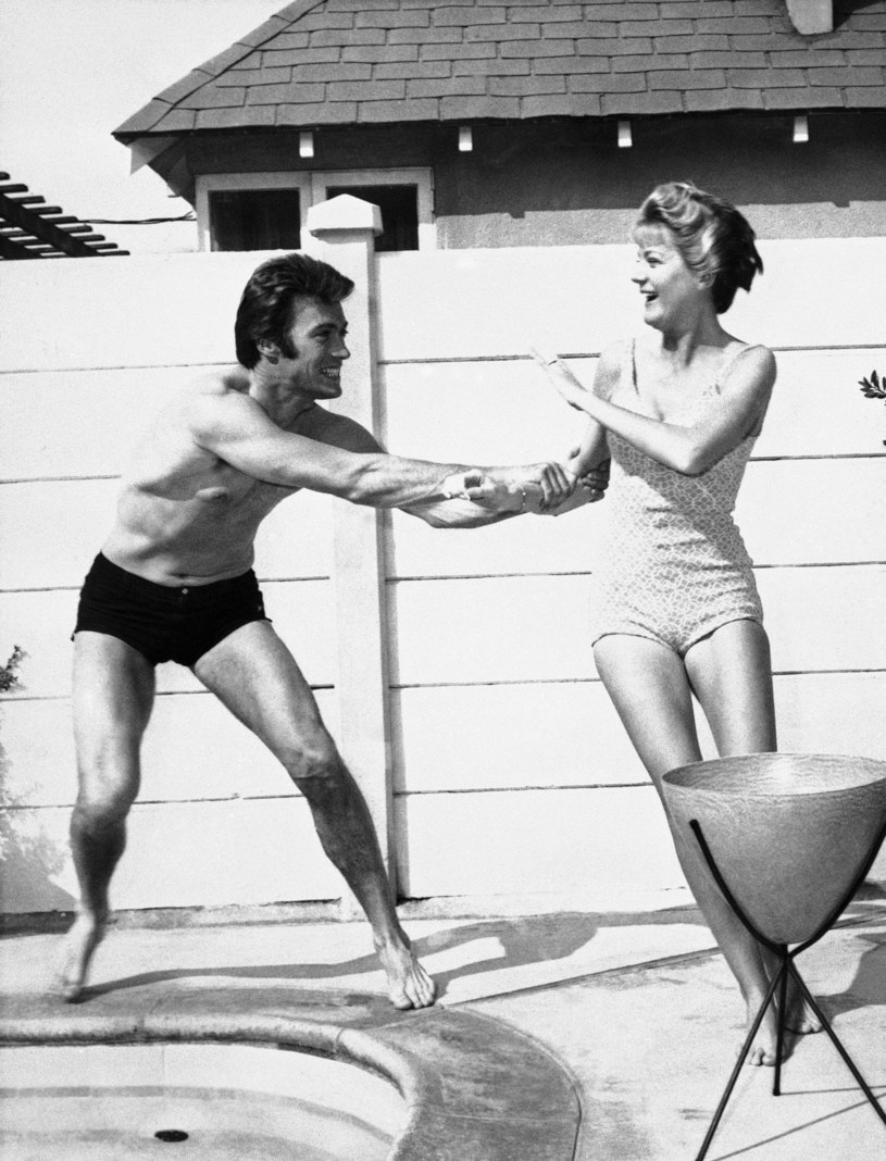 Clint Eastwood z żoną Maggie w 1960 roku /ASSOCIATED PRESS/FOTOLINK  /East News