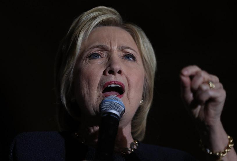 Clinton uzyskała poparcie gubernatora Kalifornii przed kluczowymi prawyborami /AFP