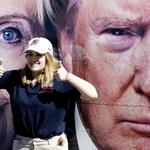 Clinton wkuwa, Trump relaksuje się na polu golfowym. Kandydaci przygotowują się do debaty