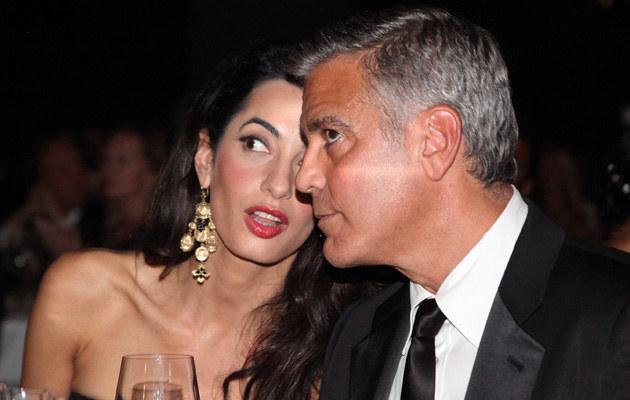 Clooneyowie chcą adoptować dziecko /Andrew Goodman /Getty Images