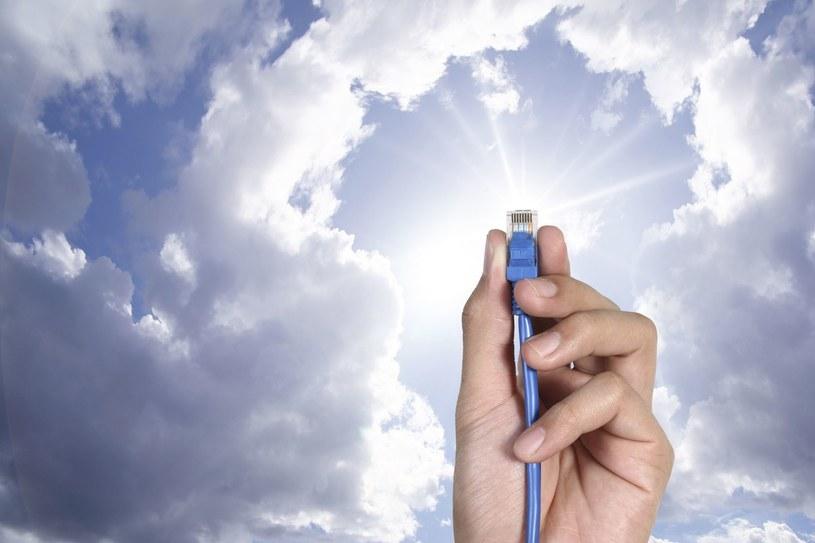 Cloud computing - wiele osób z branży IT uważa, że to absolutna przyszłość i kolejna rewolucja w świecie komputerów /123RF/PICSEL