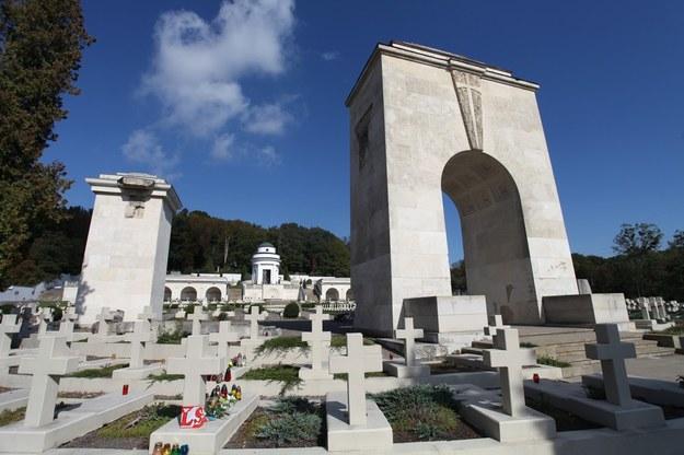Cmentarz Obrońców Lwowa - widok obecny. Nekropolia została odbudowana pomimo oporów ze strony ukraińskich władz Lwowa /STEFAN MASZEWSKI/REPORTER /East News