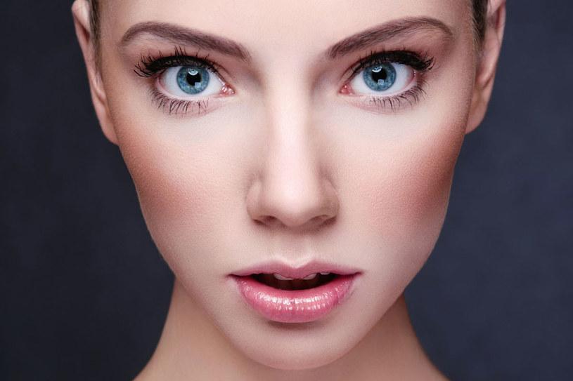 Co 11 lat zmieniamy styl makijażu /123RF/PICSEL