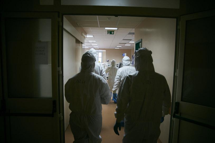 Co 17 sekund w Europie umiera chory na COVID-19 / Lorenzo Palizzolo /Getty Images