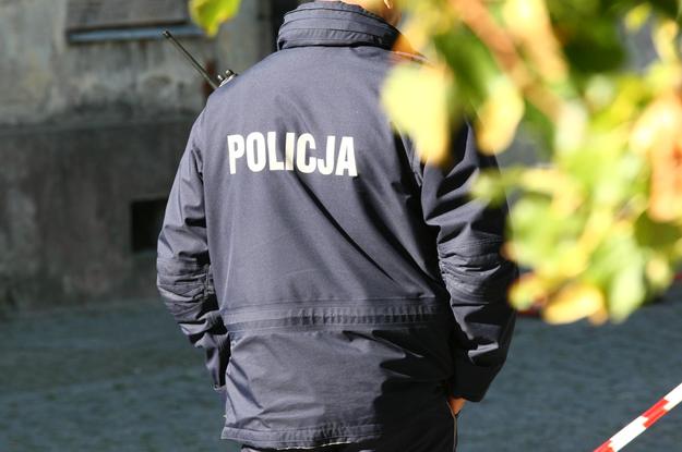 Co 4. policjant oddziału prewencji jest na chorobowym (zdj. ilustracyjne) /Marcin Bednarski /PAP