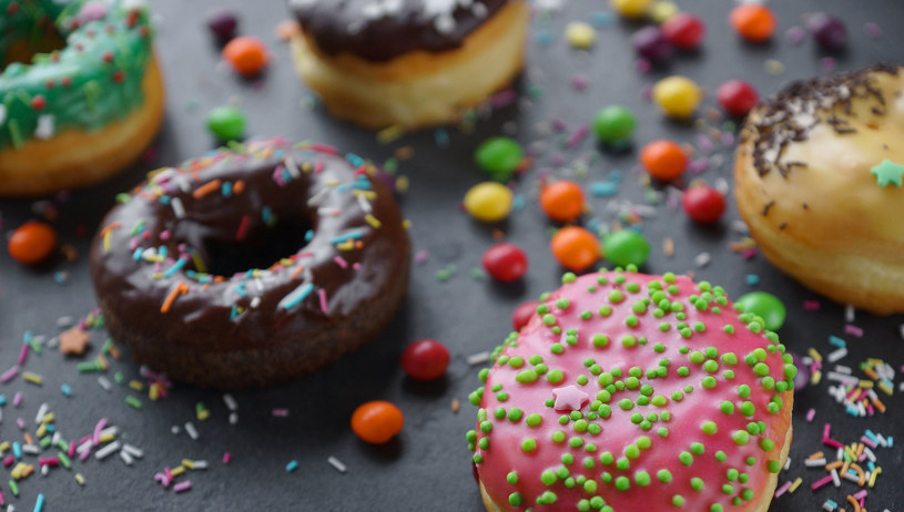 Co bardziej szkodzi zdrowiu: tłuszcz czy cukier? Naukowcy są zgodni: połączenie obu tych składników w jednym daniu /123RF/PICSEL