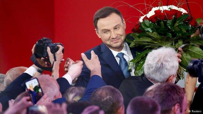 """Co będzie jak zgaśnie uśmiech? - pyta """"Die Zeit"""". Fot: Reuters /Deutsche Welle"""
