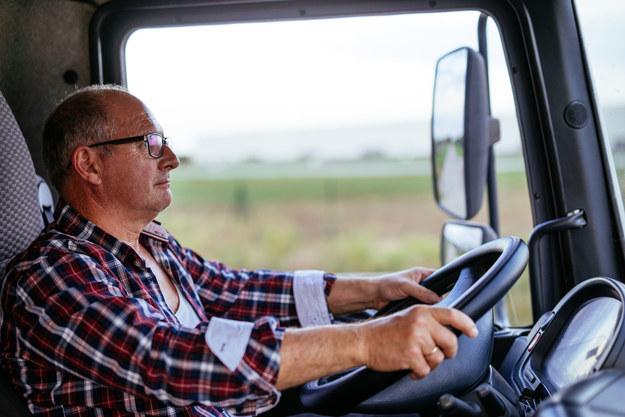 Co czeka branżę transportową po wejściu ustawy o płacy minimalnej? /123RF/PICSEL