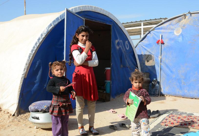 Co czwarte dziecko w Iraku cierpi biedę po wojnie z islamskimi terrorystami /Mahmud SALEH /AFP