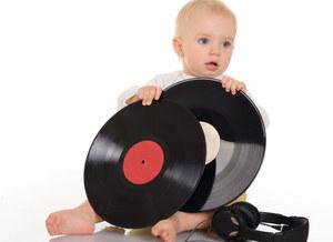 Co daje dzieciom słuchanie muzyki?