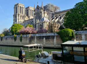 Co dalej z Notre-Dame? Katedra powinna zostać odbudowana w takim samym kształcie?