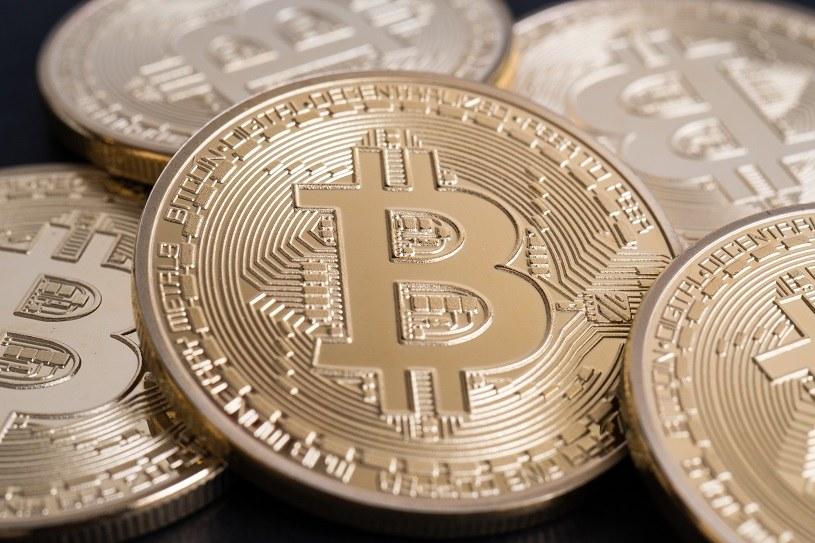 Co dla rynku kryptowalut oznacza kupno bitcoinów przez Teslę? /123RF/PICSEL