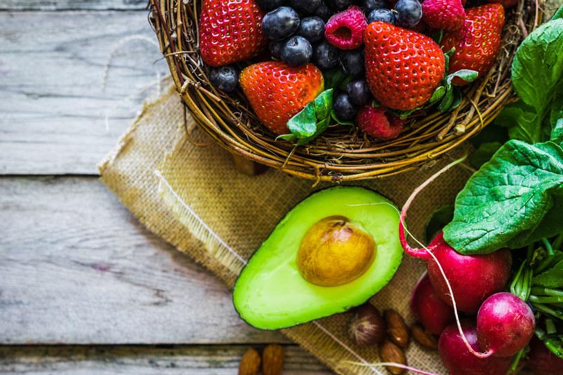 Co dodawać do potraw, by przyswoić substancje odżywcze? Nie zawsze zdajemy sobie sprawę, jak ważna jest dla naszego zdrowia odpowiedź na to pytanie /123RF/PICSEL