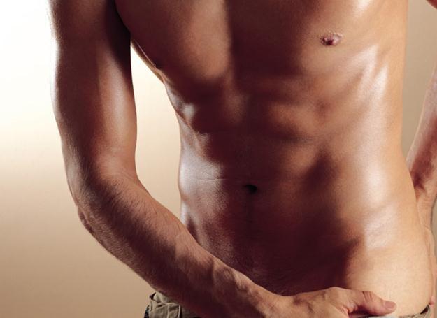 Co drugi mężczyzna w Polsce cierpi na otyłość brzuszną. Czas się z nią rozprawić! /INTERIA.PL